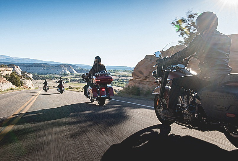 Photo of an EagleRider Harley Convoy